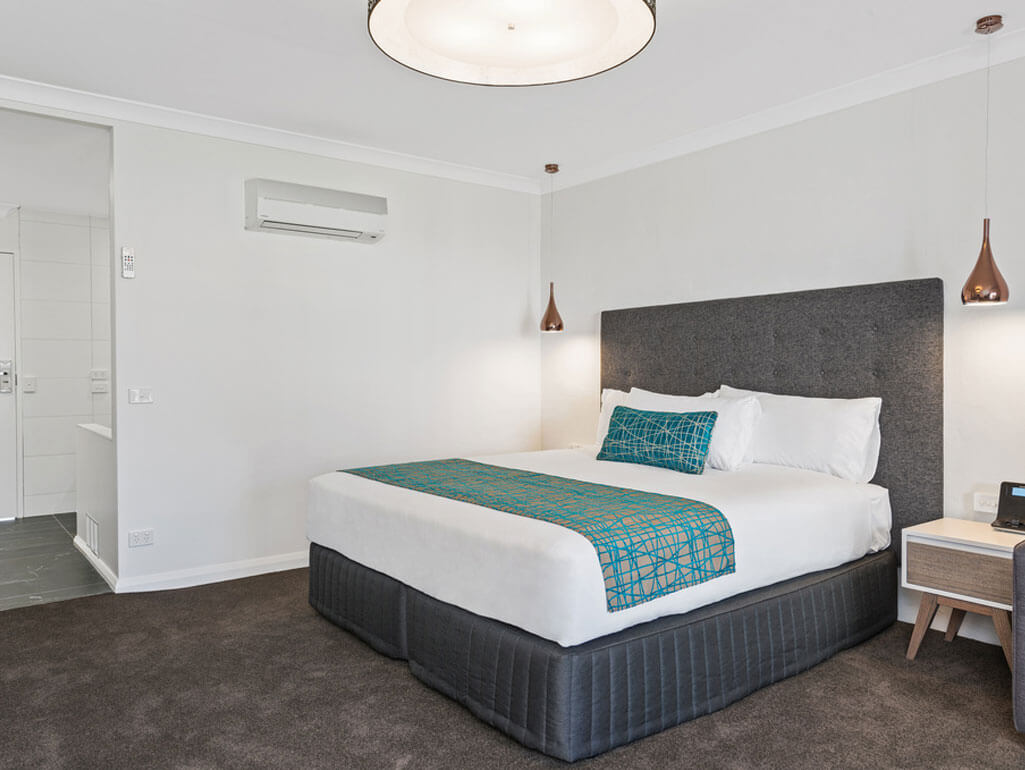 Executive-King-Spa-bedroom2 | Quality Resort Siesta Albury