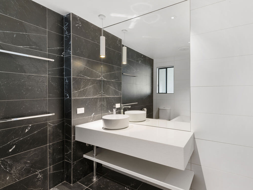 King-Deluxe-Suite-bathroom | Quality Resort Siesta Albury